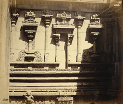 Close view of sculptural details on wall of Jalakanteshvara Temple, Vellore 2722